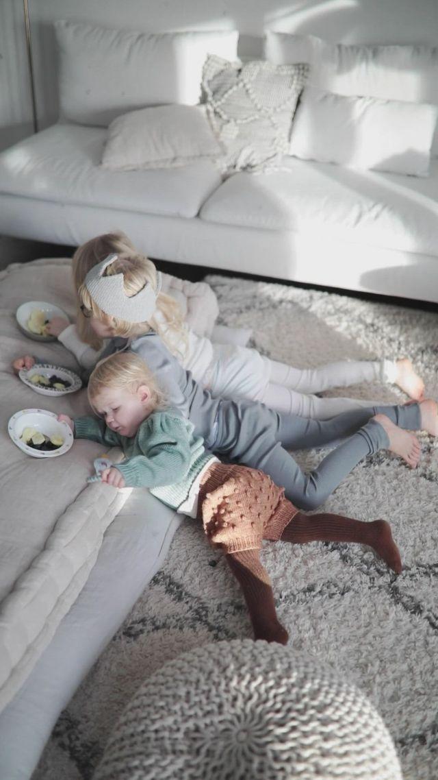Siblings cuteness - Video & GIFs | baby boy outfits,cute asian babies,baby boy fashion,cute babies,baby kids,kids fashion,kids outfits,baby life hacks,baby hammock
