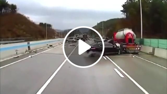 Car Crash On Slippery Highway - Video & GIFs | bad drivers, car crash, lucky man, wow video, car accident, crashes on slippery road