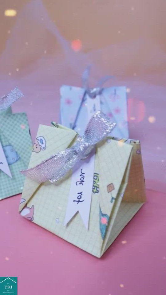 Diy gifts bag - Video & GIFs | paper crafts diy kids,paper crafts diy tutorials,origami crafts diy,origami gift box,paper crafts origami,easy paper crafts,diy gift box,diy crafts for gifts,origami art,diy home crafts,diy crafts ,crafts for kids
