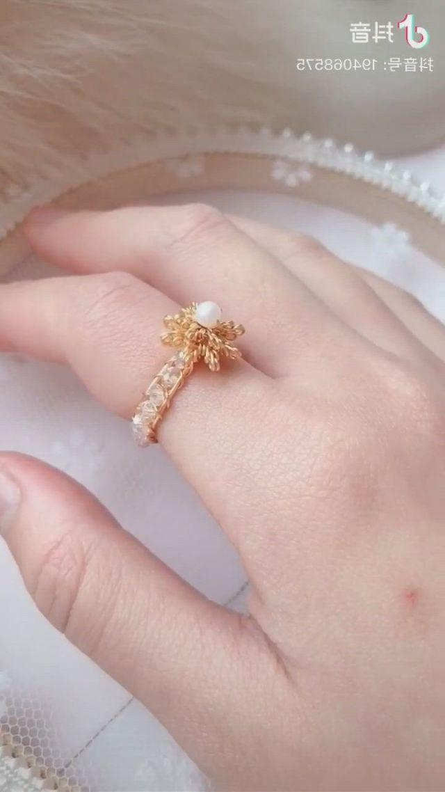 Diy Pearl Ring - Video & GIFs   collar bisuteria,hacer bisuteria,bisuteria,diy crafts jewelry,diy jewellery,jewelry ideas,diy pearl rings,diy rings,jewelries,diy for kids,origami,crafting
