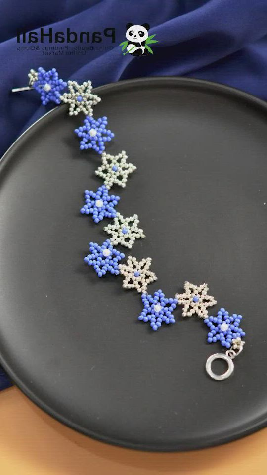 Make Amazing Jewelry at home - Video & GIFs | boncuk suslu takılar,orgu bileklik modelleri,takı yapma,handmade wire jewelry,beaded jewelry designs,seed bead jewelry,bead jewellery,diy bracelets easy,bracelet crafts,jewelry crafts,beaded bracelet patterns,beaded bracelets