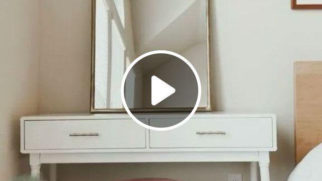 Bedside Vanity Decor - Video & GIFs | decoracion de interiores, interiores, decoracion de unas