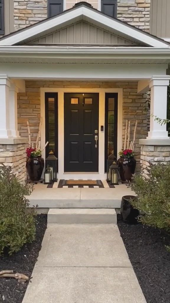 Charming front porch decor for inspo - Video & GIFs | porch decorating,front porch decorating,porch design,diy bedroom decor for teens,diy bathroom decor,classic house design,dream home design,porches,front porch design,pantry design,farmhouse kitchen decor