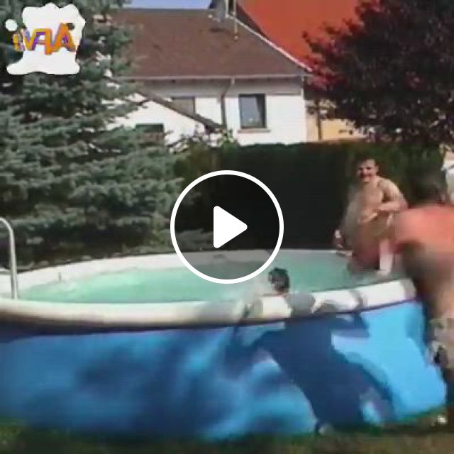 Throwback 2006 Funny Fails From 2006 - Video & GIFs | funny gifs fails, funny clean, crazy funny memes, funny for kids, best funny , funny short , funny memes, funny animal memes, funny relatable memes, afv