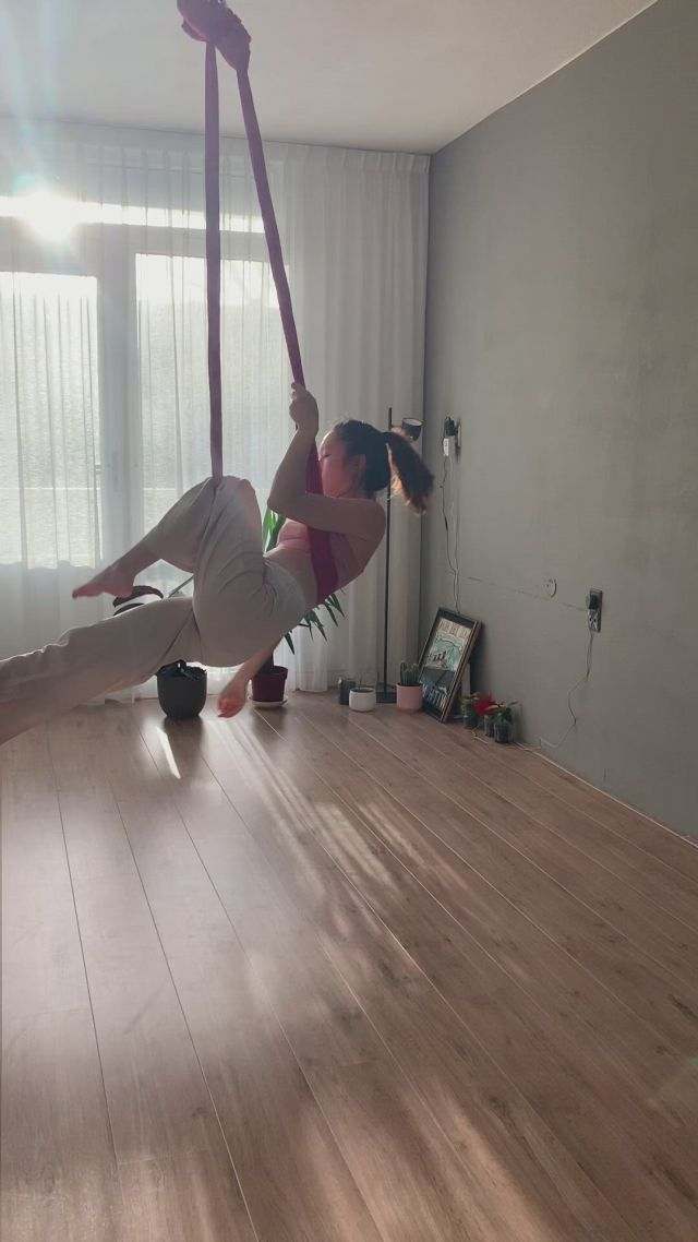 Basic beginner flow aerial dance - Video & GIFs | aerial dance,aerial silks,aerial yoga poses,aerial acrobatics,aerial hoop,aerial arts,pilates,anti gravity yoga,aerial yoga hammock,gymnastics workout