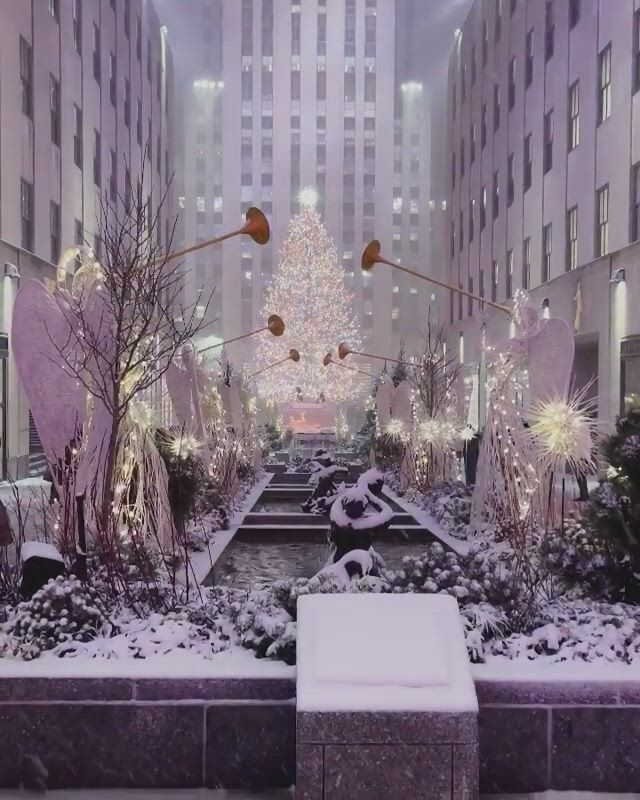 Magicallyrockefeller center, new york - Video & GIFs   color,makeup,songs,jellyfish facts,jellyfish drawing,jellyfish painting,jellyfish tattoo,jellyfish quotes,jellyfish sting,watercolor jellyfish,jellyfish aquarium,watercolor painting