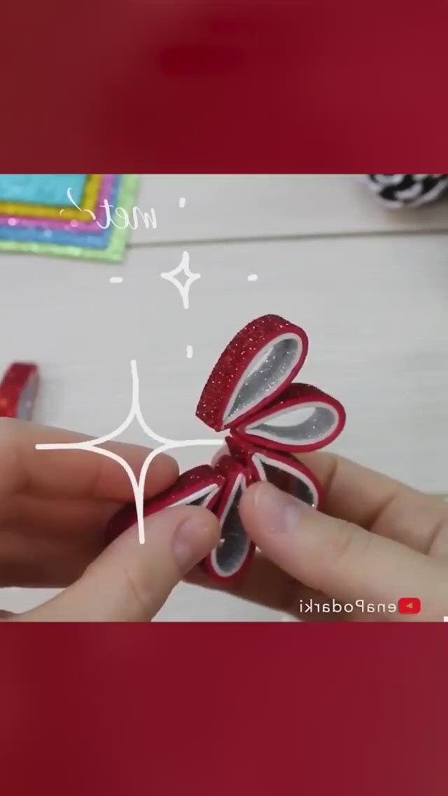 DIY CHRISTMAS ORNAMENT TUTORIAL - Video & GIFs   paper crafts diy kids,diy christmas ornaments,christmas diy,diy yarn flowers,xmas,diy and crafts,paper crafts,ornament tutorial,diy box,diy cards,diy for kids