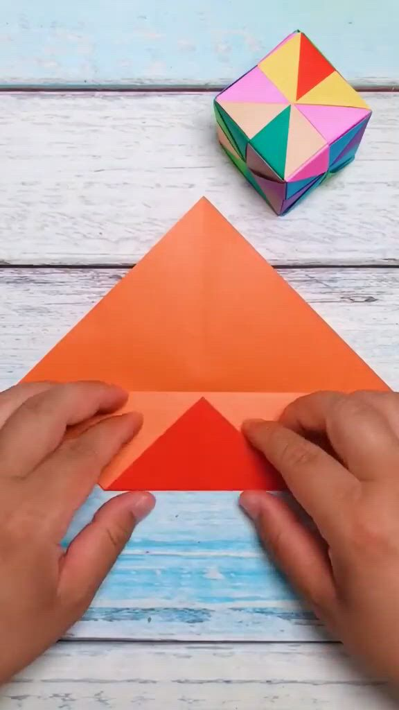 Magic Cube - Video & GIFs | paper crafts,origami crafts,origami art,disney diy crafts,diy crafts hacks,diy crafts for gifts,creative crafts,instrucoes origami,origami,oragami,cool paper crafts,paper crafts origami
