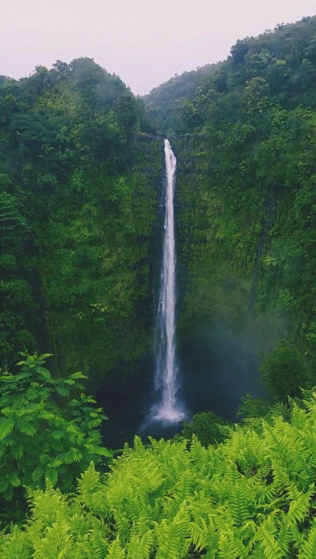 Waterfall - Video & GIFs   beautiful places to travel,amazing nature,beautiful landscapes,amazing places,natural waterfalls
