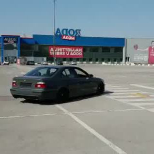 Bmw e39 m5 drift donuts - Video & GIFs | bmw e39,bmw,tokyo drift cars,bmw e30 m3,audi rs6,bmw models,cool sports cars,mitsubishi lancer evolution,drifting cars,car ,bmw cars