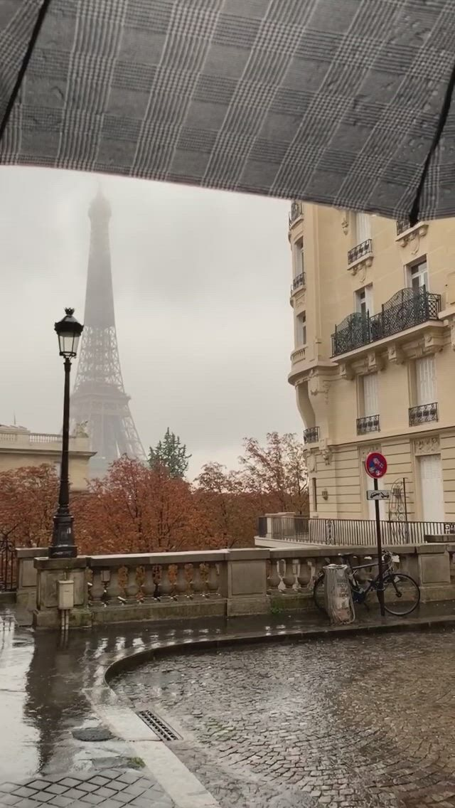 A City Full of Love - Video & GIFs | places to go,places to visit,travel aesthetic,bon entendeur,first kiss,next at home,autumn feeling,gcse art,paris