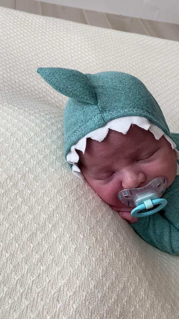 Houston newborn photography cypress kimberly rachelle photography - Video & GIFs | newborn baby boy gifts,newborn shoot,baby girl newborn,reborn babies black,bbg,1 month old baby