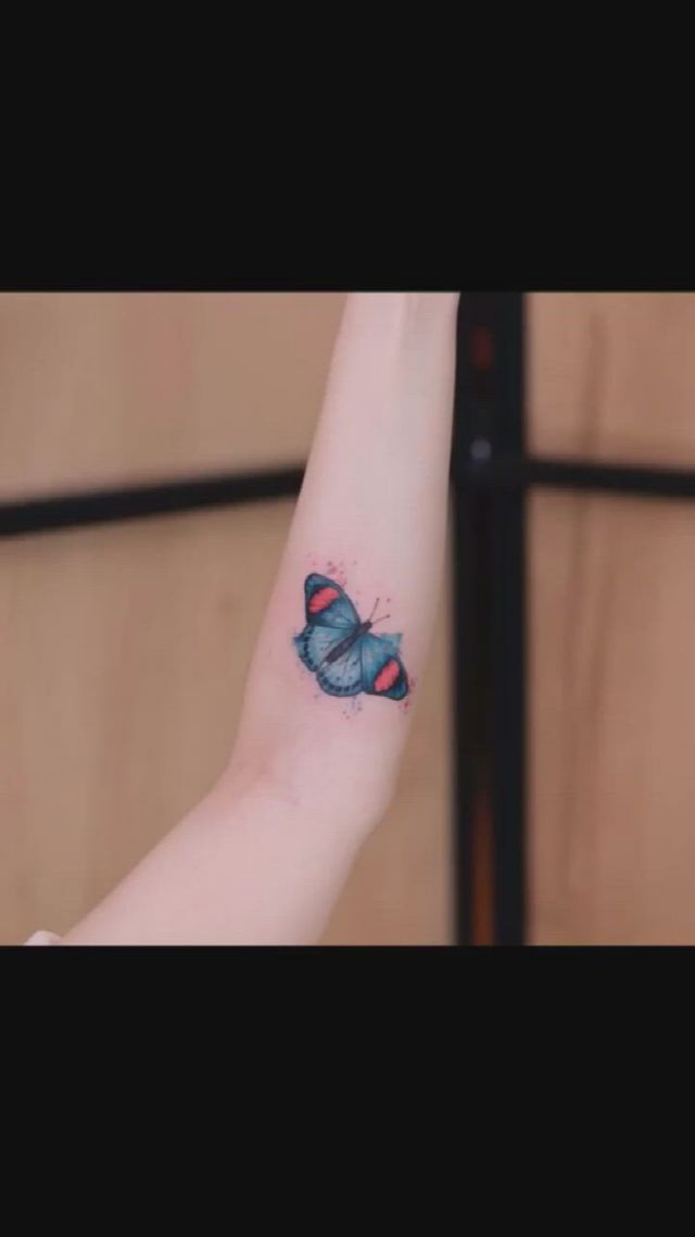 14 Color Tattoos For Personality Girls - Video & GIFs   small tattoo designs,small tattoos,color tattoo,tattoos for women,fairies,tatoos,piercings,placement tattoo