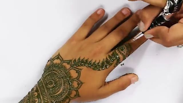 Cute Henna Tattoo