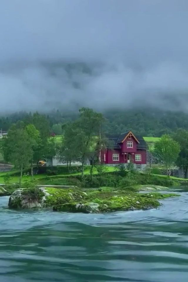 Top 10 most beautiful natural places in the world - Video & GIFs   wonderful places,cool places to visit,beautiful places to travel,beautiful world,places to go,norway travel,vacation trips