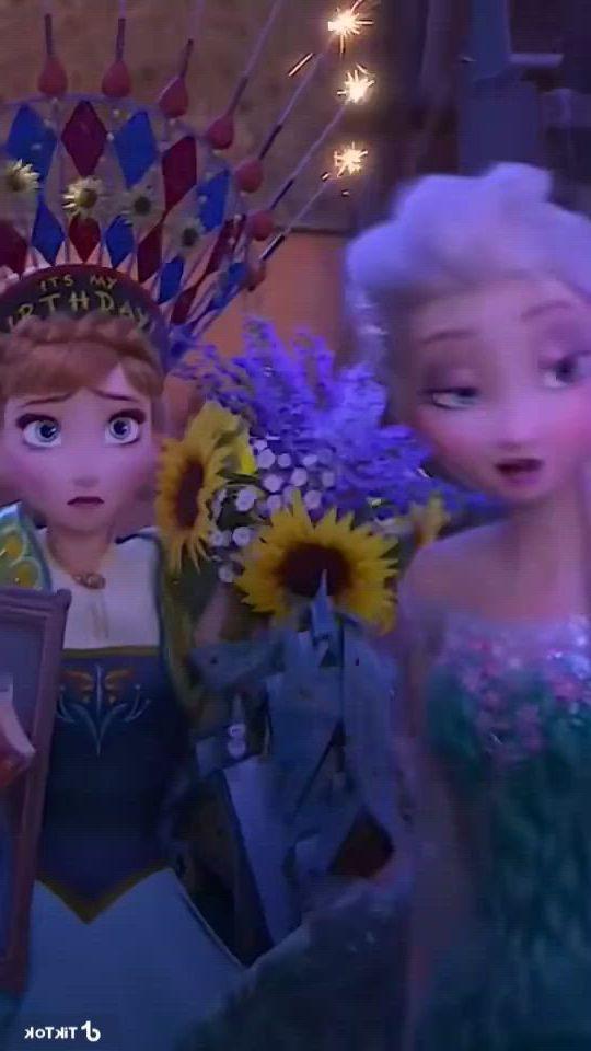 Princesses Anna and Elsa
