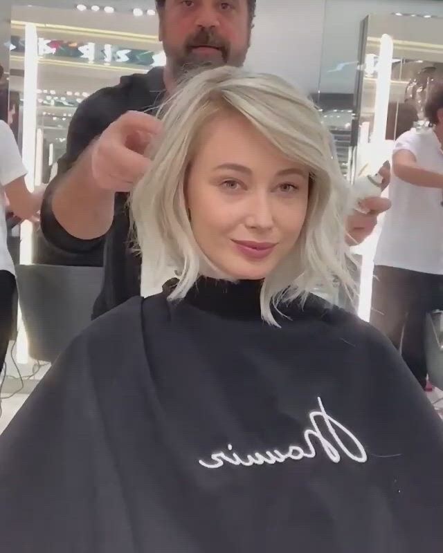 Шикарная стрижка на короткие волосы - Video & GIFs   ice blonde,ash blonde hair,hair color and cut,new hair colors,how to look expensive,hair color techniques,corte y color,short black hairstyles,hair transformation