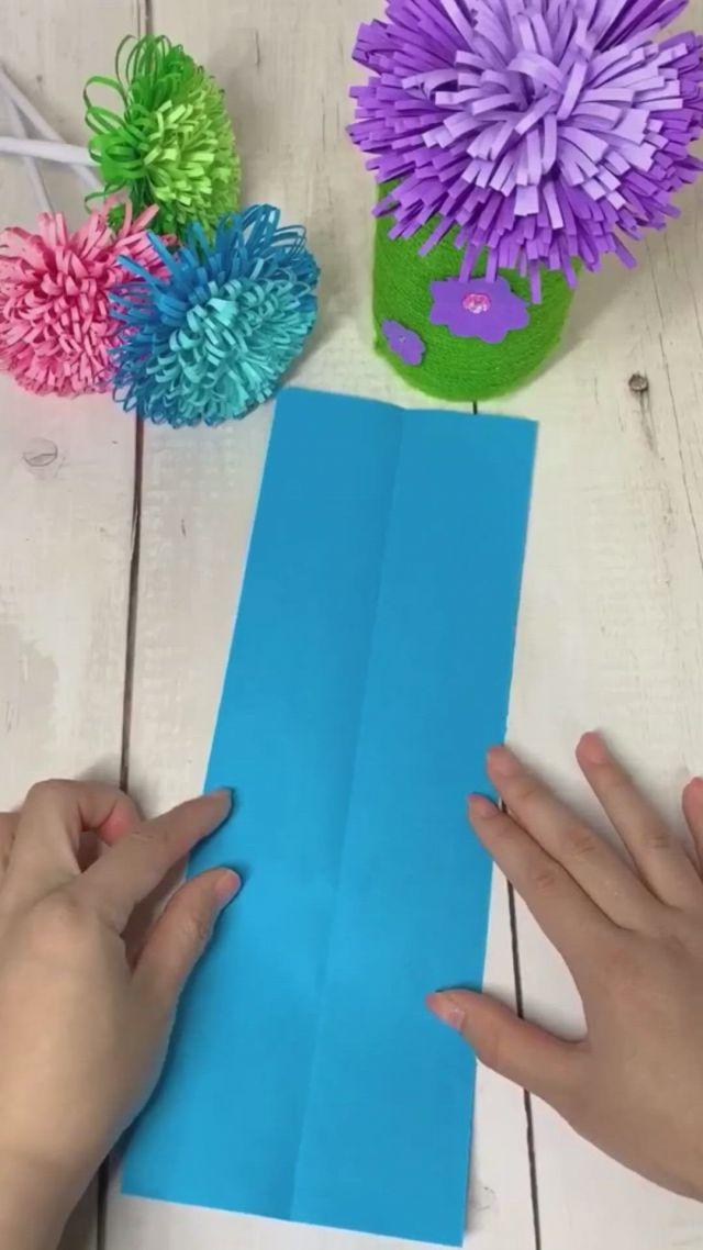 Fluffy Origami Paper Flower Bouquet - Video & GIFs   tutorial de flores de papel,flores de papel hechas a mano,manualidades,cool paper crafts,paper flowers craft,paper crafts origami,flower crafts,diy paper,paper crafting,paper origami flowers,easy origami flower,origami paper folding