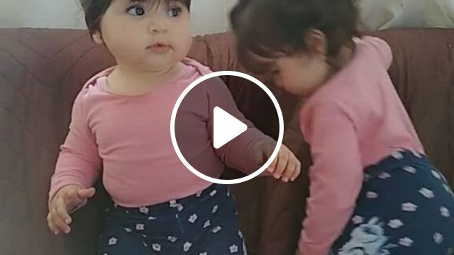 Dobro De Fofura - Video & GIFs   cute funny baby , baby girl names, cute baby girl images, cute baby smile, cute baby dogs, cute baby gifts, cute little baby, little babies, cute funny babies, cute kids