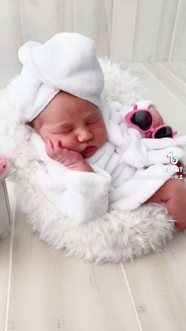 The newborn whisperer houston luxury newborn photography - Video & GIFs | baby whisperer,cute baby ,baby poses,warm fuzzies,baby milestones