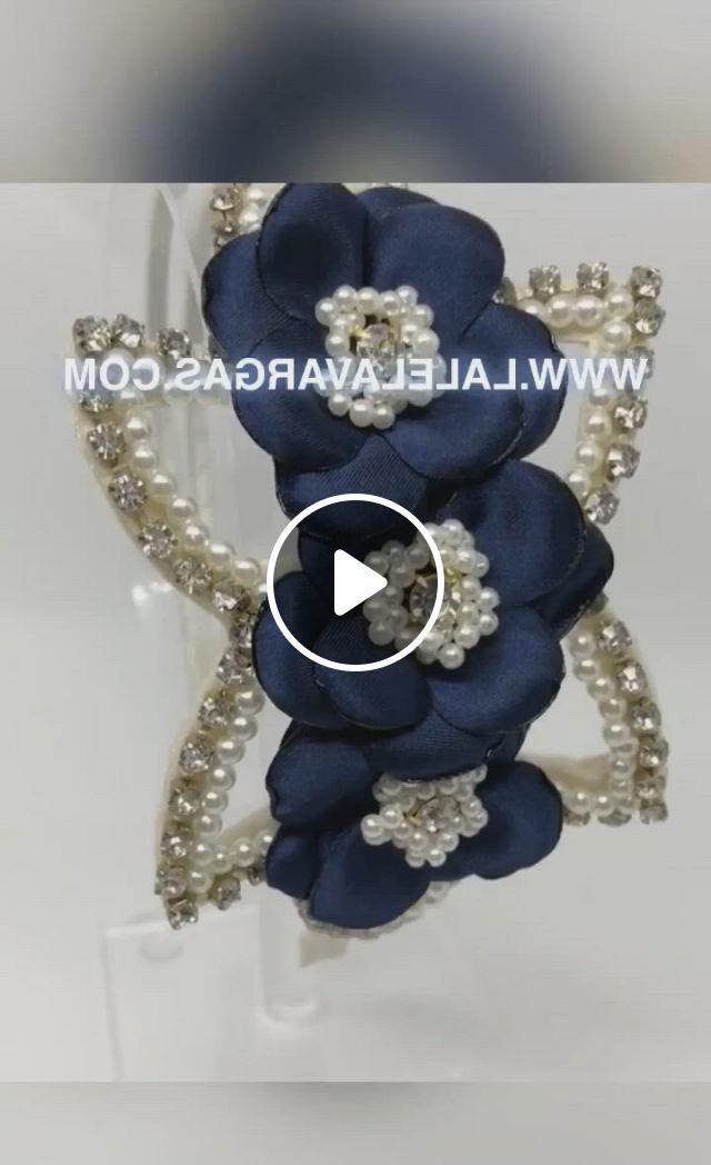 Tiara Infantil Lalela Vargas - Video & GIFs | choker, baby boy, ideas para, baby shower, wreaths, kids fashion, kid outfits, ribbons, arch