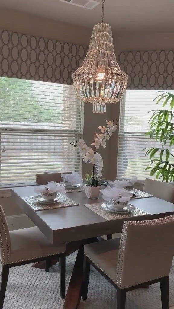 Dining room decorating idea - Video & GIFs   elegant dining room,dinning room decor,room decor,luxury dining room,home room design,dining room design,living room interior,living room decor,craftsman dining room,color inspiration,decorating ideas