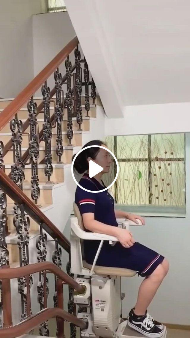 Helpful Chair Upstairs - Video & GIFs | ideias para o lar, dicas domesticas, boas ideias, cute room decor, cool inventions, diy hacks, cool furniture, shabby chic, draw, technology, bridal, cool stuff