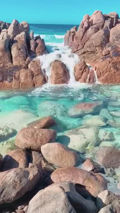 This natural spa in australia - Video & GIFs | beautiful places nature,beautiful places to travel,beautiful nature scenes,beautiful beaches,cool places to visit,places to go,beautiful vacation spots,dream vacation spots,amazing nature,beautiful landscapes