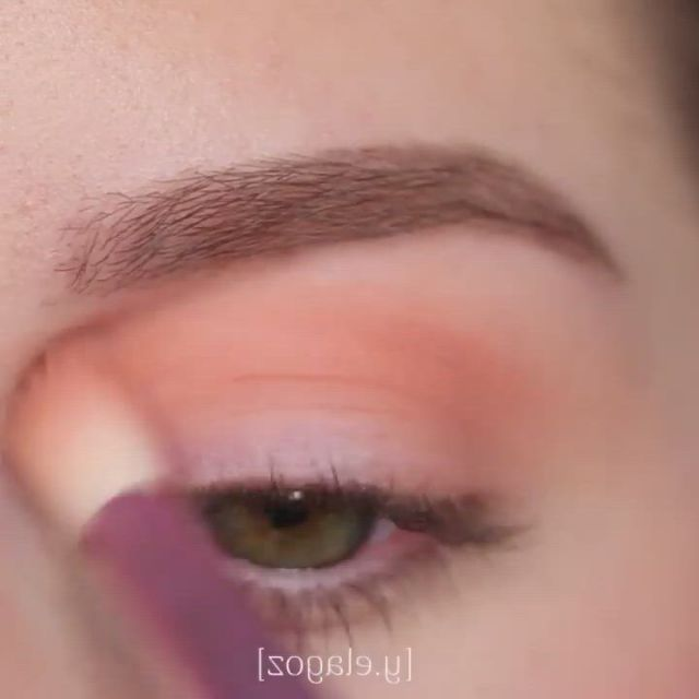 Ocean shimmer eye look - Video & GIFs   makeup eye looks,eye makeup art,cute makeup,pretty makeup,makeup inspo,makeup inspiration,makeup monolid,party eye makeup,eye makeup designs