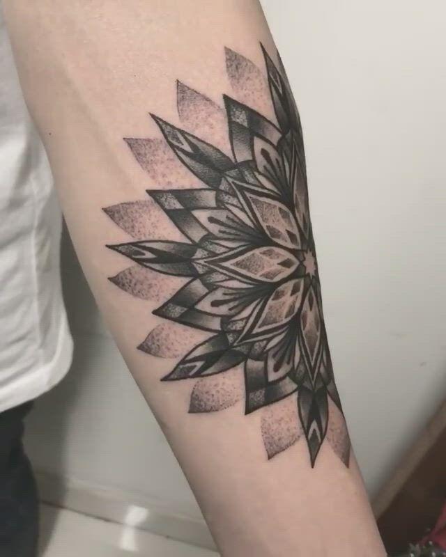 Unterarm tattoo mann 50 einzigartige