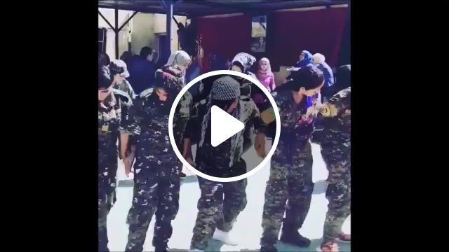 Kurdish Christian Women Dancing After Isis Defeat - Video & GIFs   best gifs and short ever, female heroines, real politics, brave women, female fighter, london life, dance , christian women, make it yourself, syria