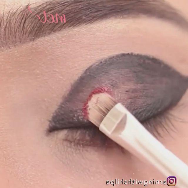 Grey eye makeup - Video & GIFs   eye makeup,smokey eye makeup tutorial,makeup vs no makeup,eye makeup steps,dark makeup,makeup ideas,gothic makeup,cheap makeup,glam makeup,face contouring makeup