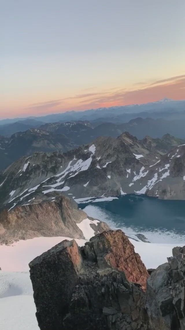 A sunset view to rival all sunset views. High above the central cascades mountain