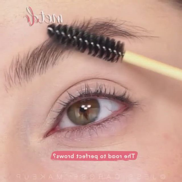 Perfect brows - Video & GIFs | smoke eye makeup,eyebrow makeup,perfect brows,makeup vs no makeup,edgy makeup,makeup eye looks,eye makeup art,colorful eye makeup,makeup cosmetics,beauty makeup