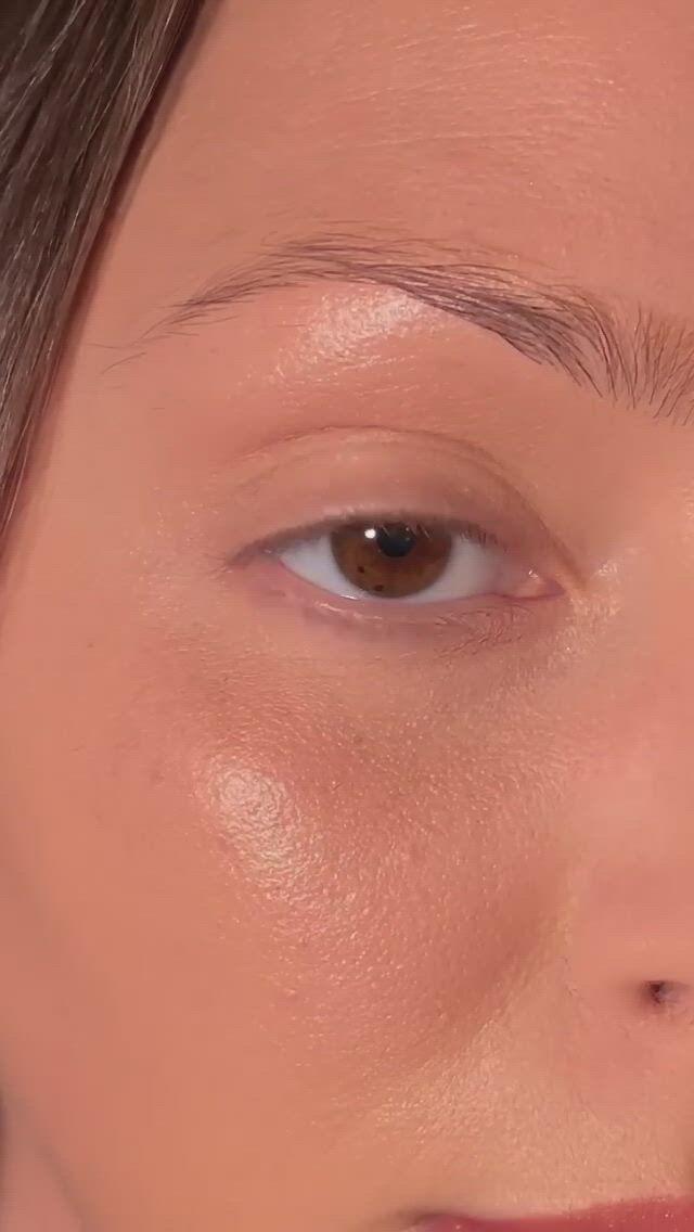 Soft glam makeup look - Video & GIFs | pink lipstick makeup,skin makeup,soft glam makeup,makeup inspo,makeup inspiration,makeup tips,glam makeup look,makeup looks,makeup companies,eye makeup steps