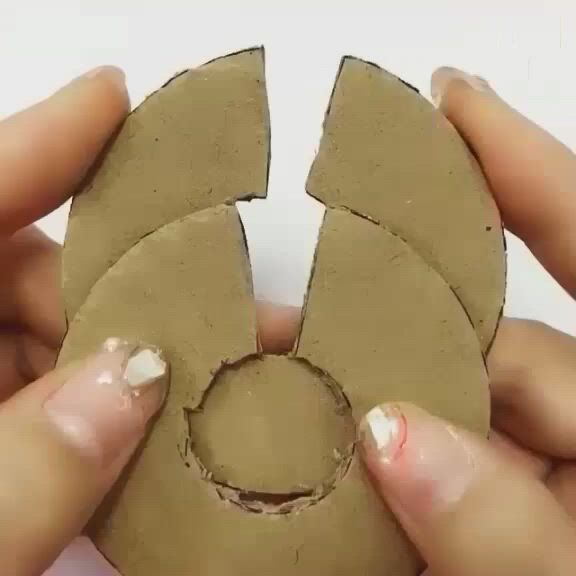 Sewing hack - Video & GIFs | diy yarn crafts,origami crafts diy,paper crafts diy kids,diy room decor ,diy crafts for home decor,diy crafts hacks,diy crafts for gifts,diy arts and crafts,creative crafts,cool paper crafts,paper crafts origami,fun crafts