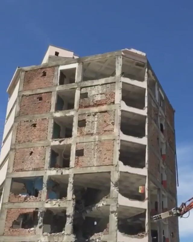 Building demolition, turkey turkey, sound effects - Video & GIFs | metallic slime,home decor hooks,indian house plans,weird gif,famous buildings,indian homes,hobby ideas,tiny house design,civil engineering