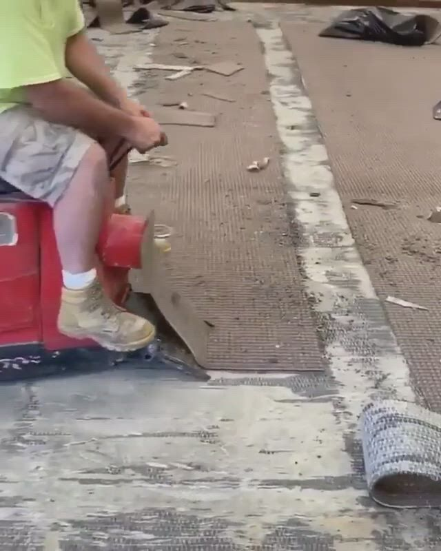 Tearing up old carpet - Video & GIFs | construction diy,tile floor diy,engineering tools