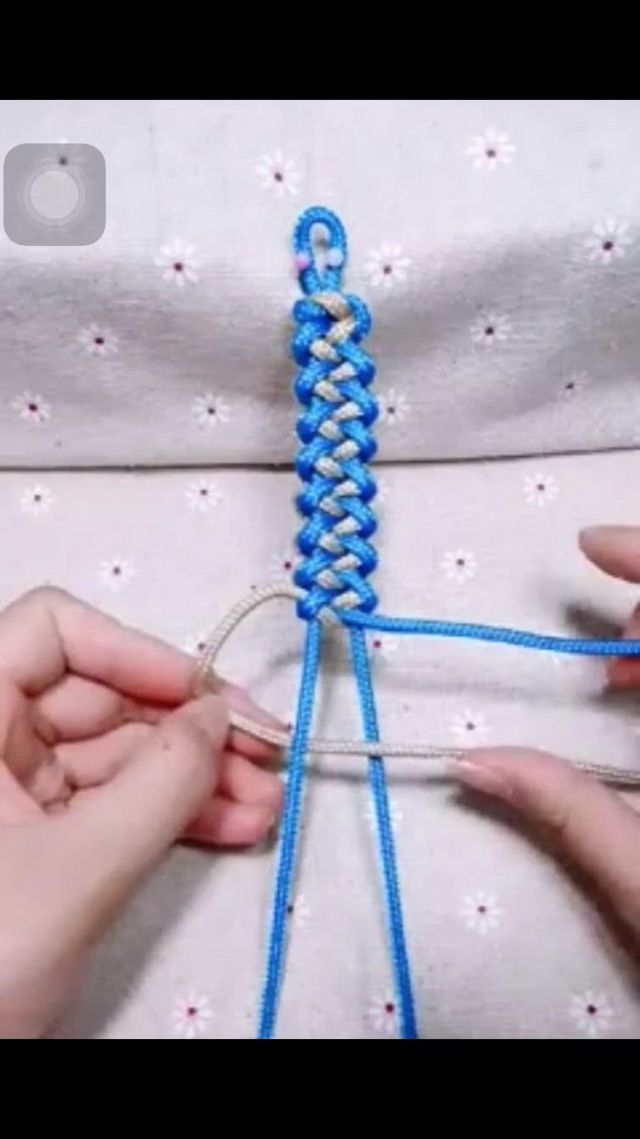 Hand woven Hand Rope You must try this - Video & GIFs | rope crafts diy,bracelet craft diy,diy bracelets easy,diy friendship bracelets patterns,bracelet crafts,macrame bracelets,bracelet patterns,handmade bracelets,handmade jewelry,embroidery designs free download,simple embroidery designs