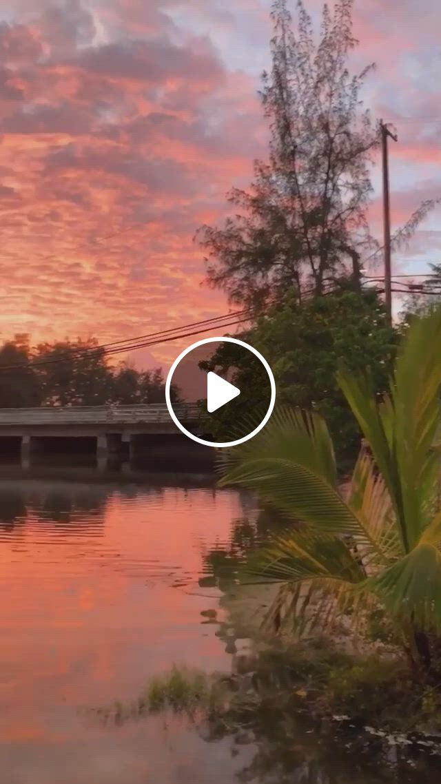 When Sunsets Keep Getting Better And Better Paradise - Video & GIFs | sunset, sunrise, paradise, wellness, videos, nature, travel, naturaleza, trips