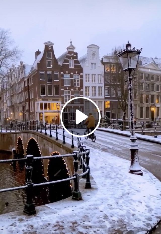 Snow In Amsterdam - Video & GIFs | viagem, snow , amsterdam winter, snow gif, netherlands, paradise, places to visit, wanderlust,
