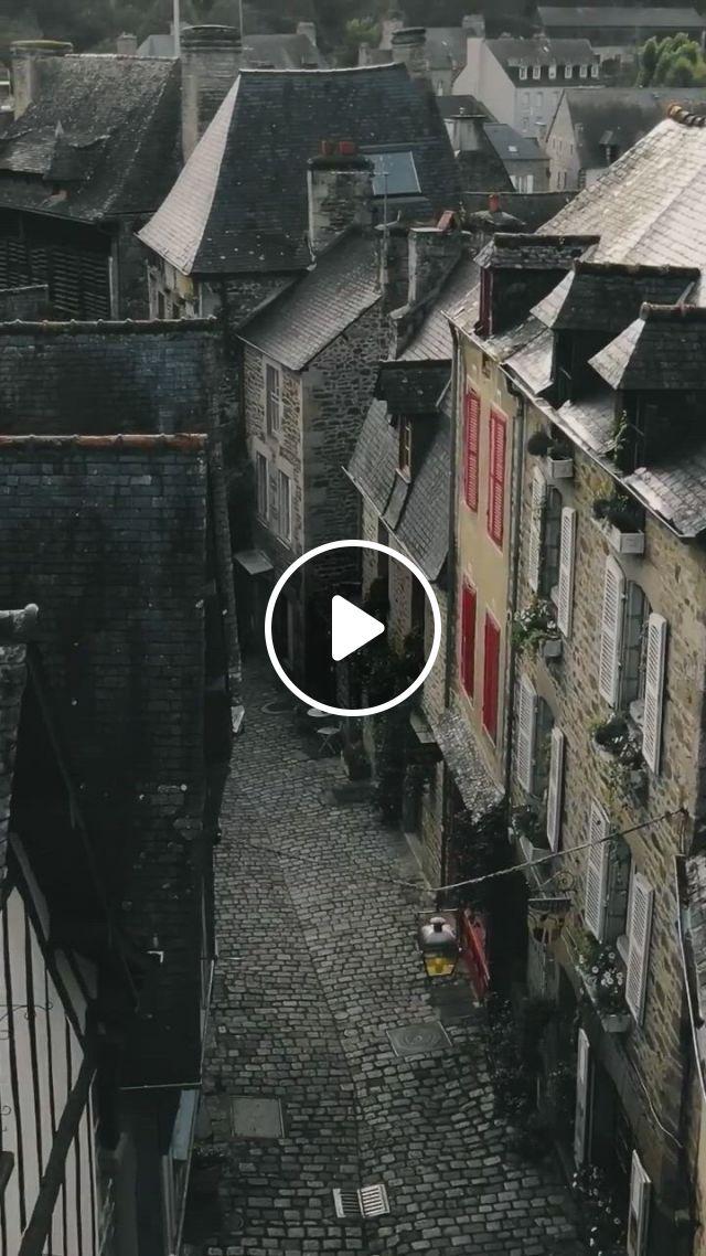 Brittany, Cobblestone Streets - Video & GIFs | natureza selvagem, natureza, lugares, stunning view, palaces, street, travel, beauty, art, wilderness, viajes