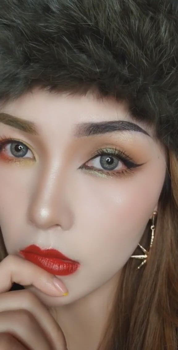 Eye Makeup Tutorial Video Video Gifs メイク みたい Makeup Tutorial Foundation Makeup Foundation Nose Cleaner Make Up Videos Crows Feet Makeup Tutorial For Beginners Makeup Looks Eye Makeup About