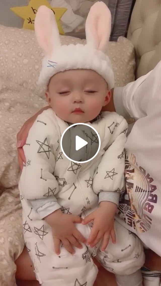 Sleeping Baby, Cute Bunny Ears - Video & GIFs | baby sleep, cute bunny, baby, ears, babies, children, toddlers, bunny, babys, boys