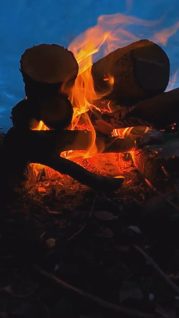 A cozy end to the day in nature - Video & GIFs | manzara fotoğrafcılığı,manzara,fireworks,fairytale,smoking,eye candy,rest,stones
