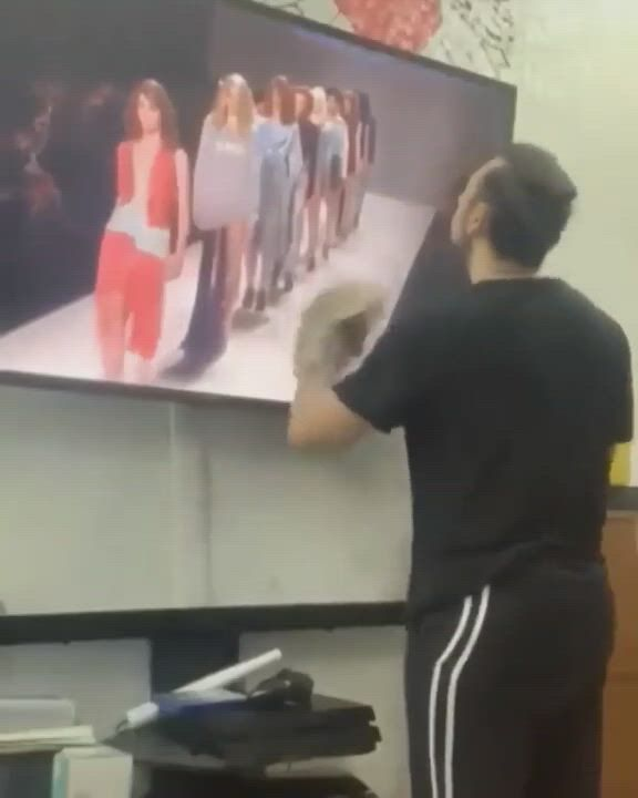 Now who greased the floor right there - Video & GIFs | funny clips,grease,flooring,cool stuff,instagram,humor,funny clips