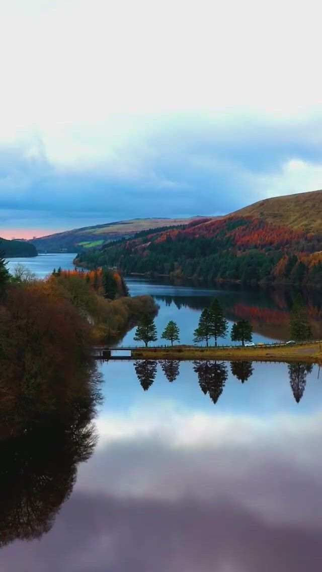 Stunning view of brecon beacons - Video & GIFs   beautiful nature,nature gif,corps parfait,brecon beacons,stunning view,beautiful,view ,music film,mountain range,south wales