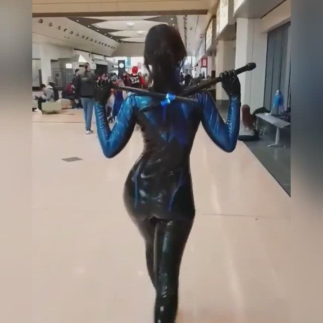 Night wing cosplay - Video & GIFs   latex cosplay,dc cosplay,female marvel cosplay,cosplay outfits,best cosplay,anime cosplay,cosplay costumes,marvel cosplay girls,rogue cosplay