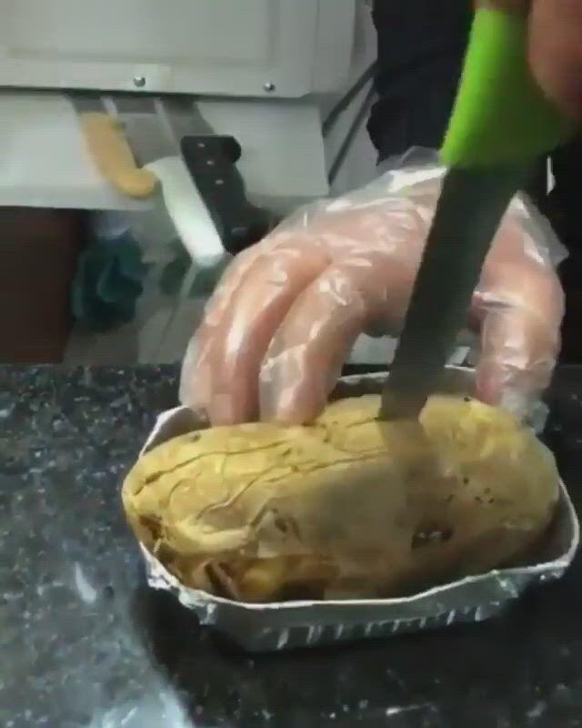 Weird way to puree a strange potato