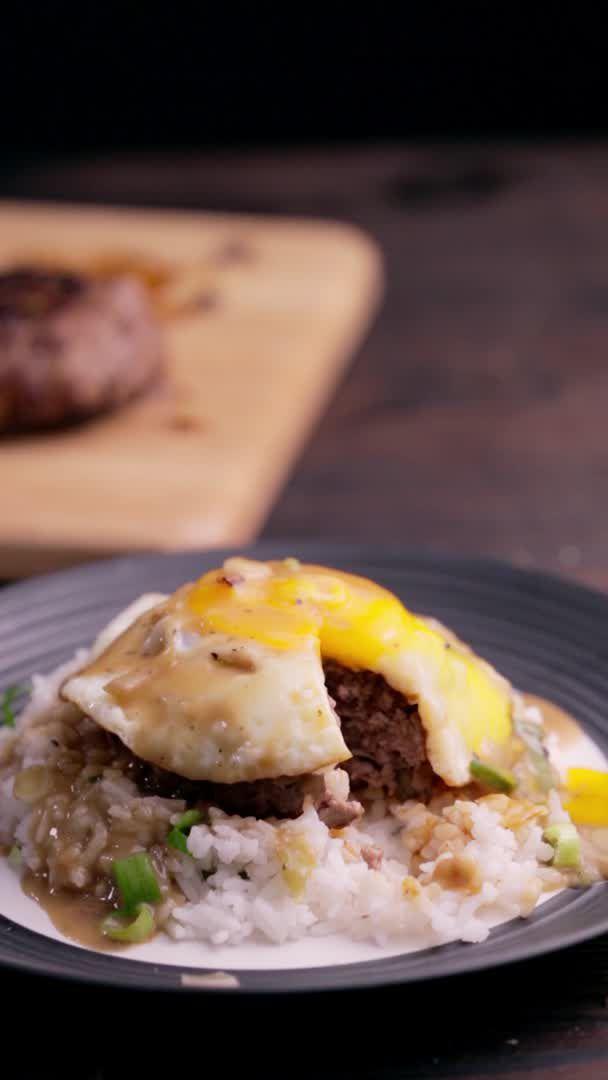 Creamy loco moco - Video & GIFs | makeup,beauty hacks,nintendo switch,dessert recipes,keto recipes,easy recipes,healthy recipes,dinner recipes,delicious recipes,cooking recipes,vegetarian recipes,vegan vegetarian